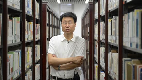 人大教授张辉锋互联网时代,消息人才培养面临重重挑衅