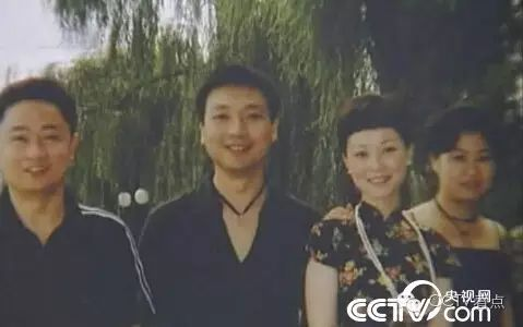 央视主播康辉回忆18岁每当想摒弃时,告诉本身再坚持一下