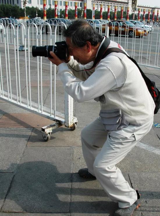 蒋铎探索路上一直步――我的消息摄影之路