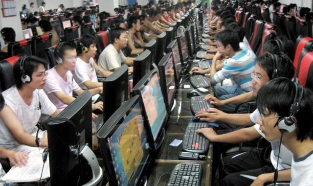 """""""中国年轻人渴望成为下一个Doinb,而不是C罗或者梅西。"""""""