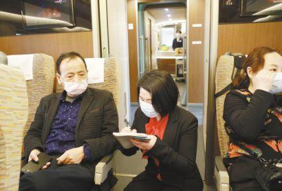 黄冈日报社记者沈红星疫线记录用生命捍卫生命的巨大